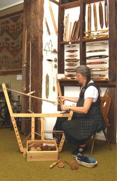 Ergonomic-Tablet-Weaving-photo-1